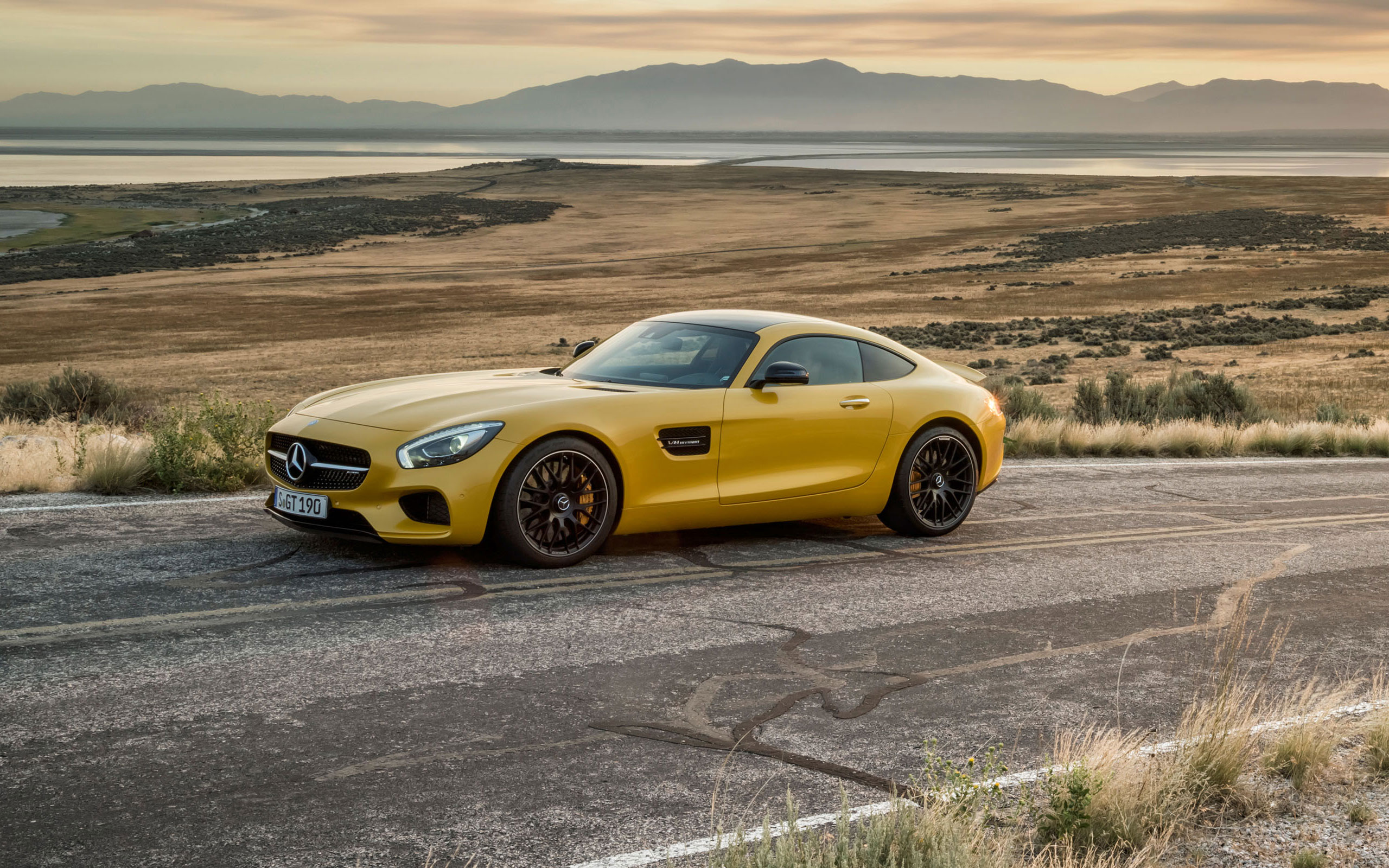 2015-AMG_GT-FUTURE-GALLERY-009-WR-D