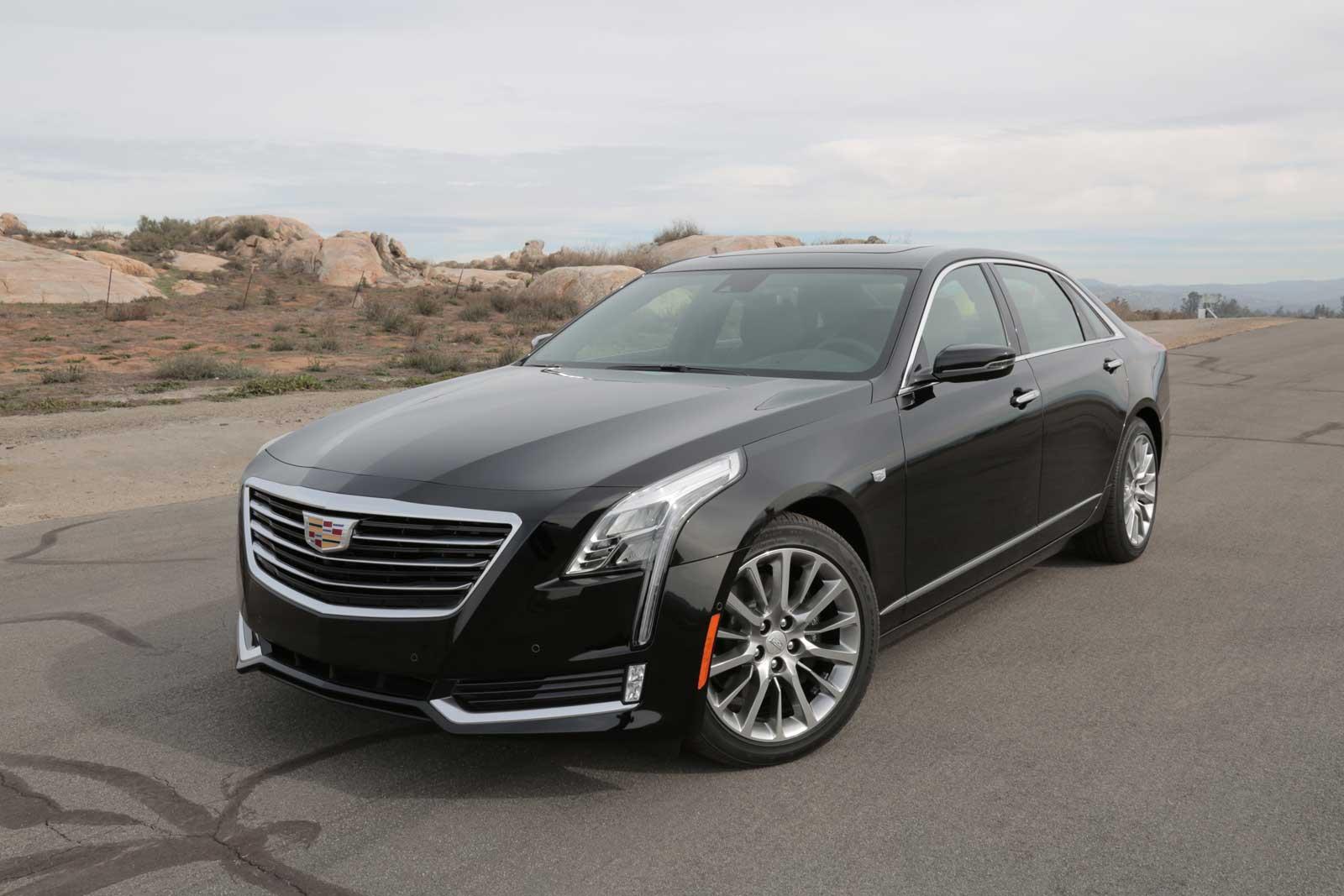 2016-Cadillac-CT6-Front-05