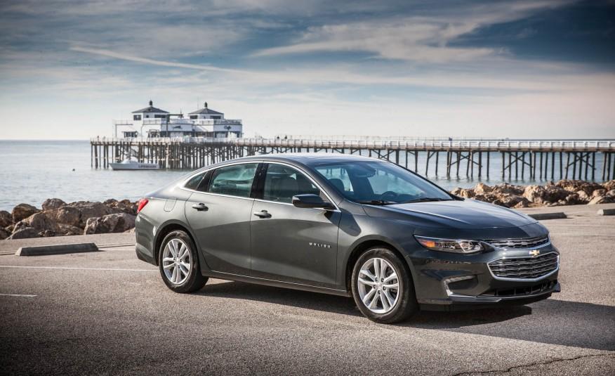 2016-Chevrolet-Malibu-LT-1.5T-116-876x535