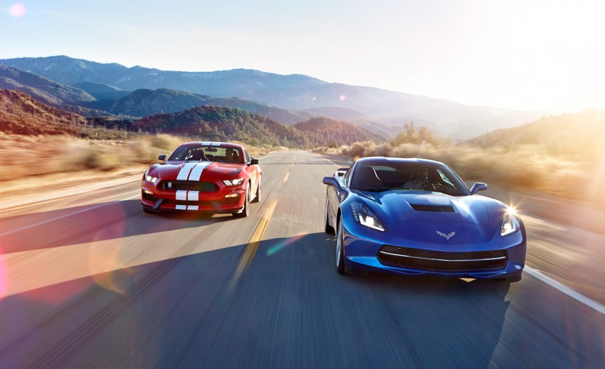 2016-Ford-Mustang-Shelby-GT350-and-2016-Chevrolet-Corvette-Stingray-coupe-Z51-201-876x535