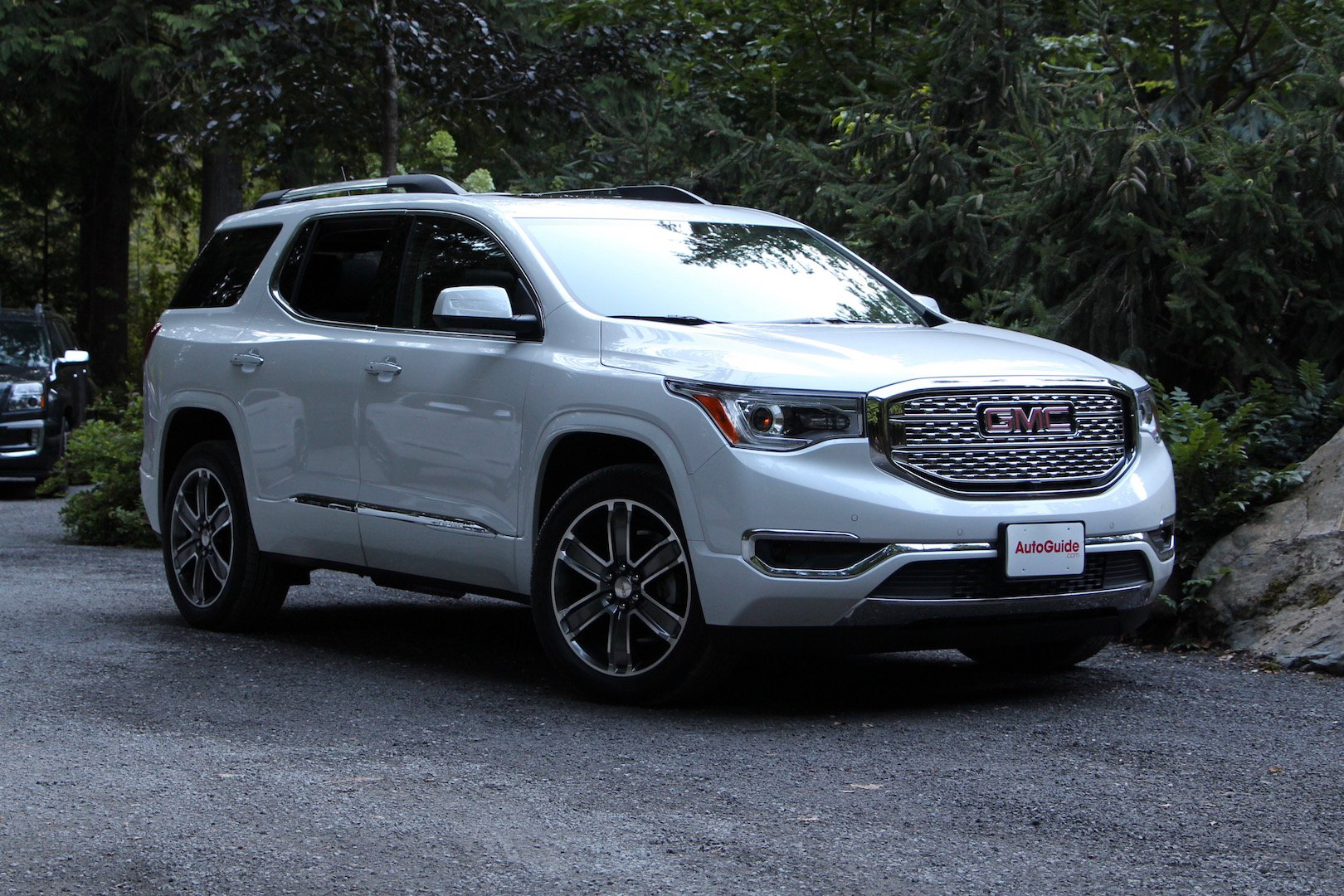 2017 GMC Acadia 01 the 2017 gmc acadia is a crossover after your heart gm inside news 2017 acadia fuse box at bakdesigns.co
