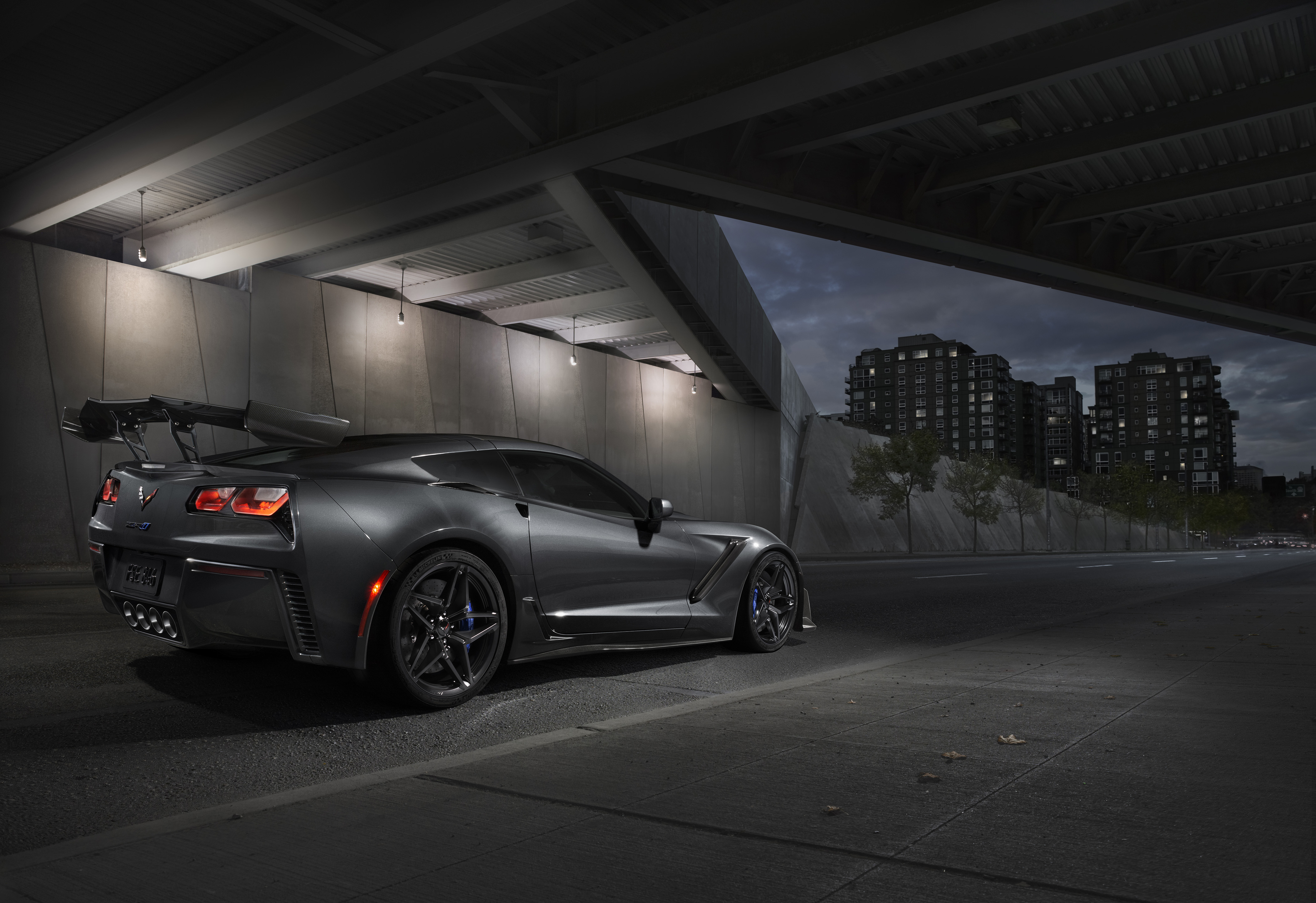 Key Differences Between The C7 Corvette Zr1 And Z06