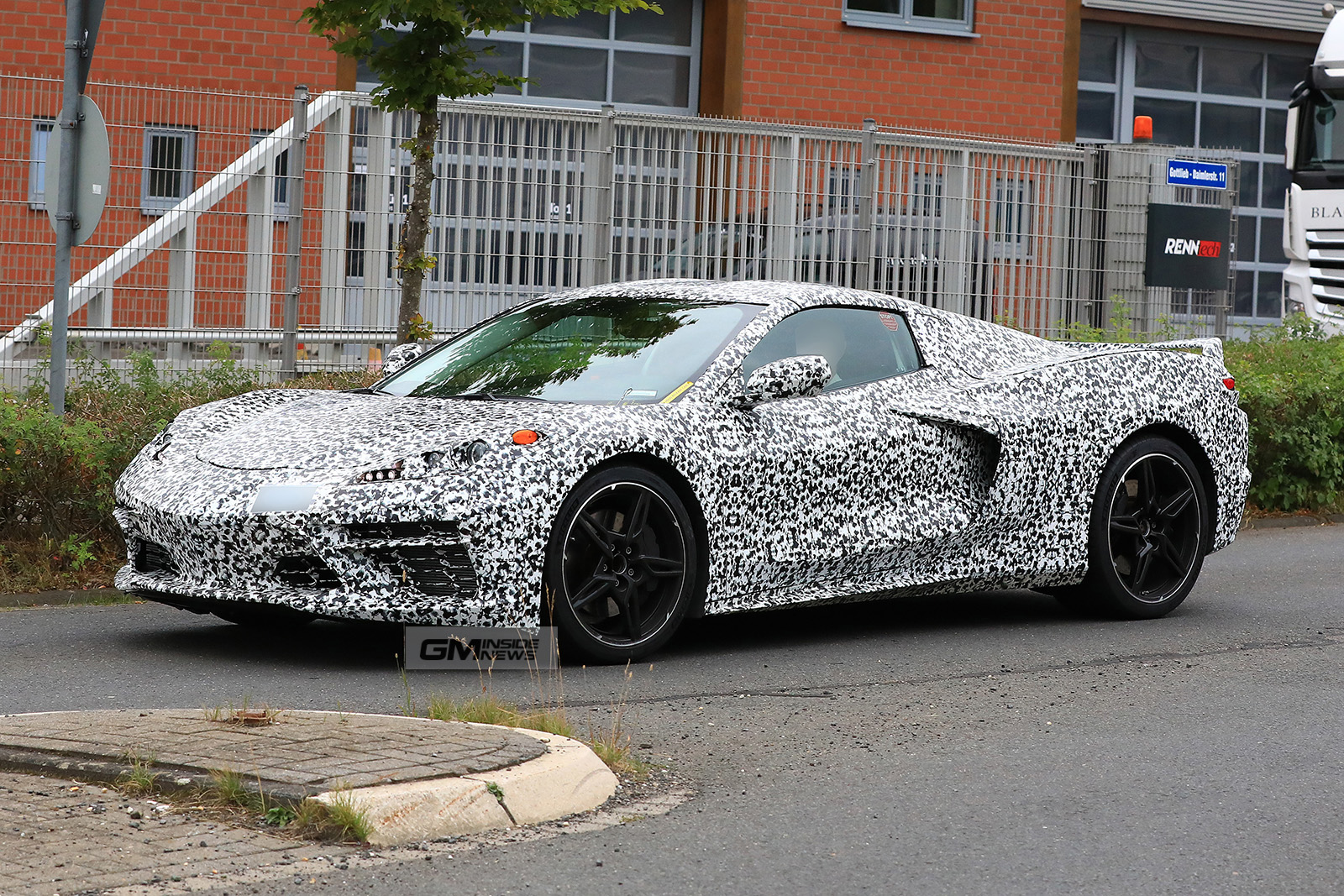 C8 Pictures Reveal Body Lines And Details Of The Next