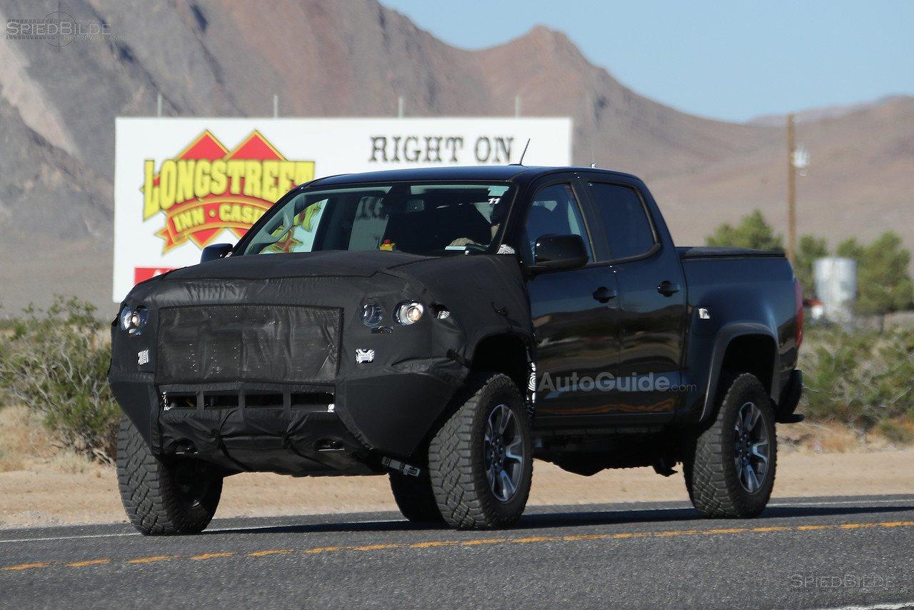 Chevy Colorado Zr2 Soaks Up The Desert Sunshine In Latest
