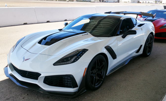 2018 Camaro Inside >> Hot-Lapping the 2019 Chevrolet Corvette ZR1 with a Professional Race Driver - GM Inside News