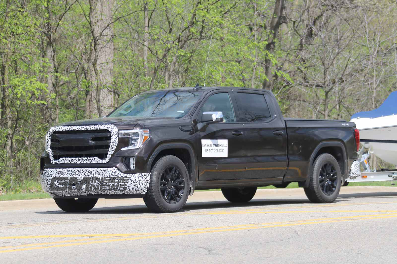 Gmc Terrain Denali For Sale >> 2020 GMC Sierra Denali 2500 HD Crew Cab Spied for the First Time - GM Inside News