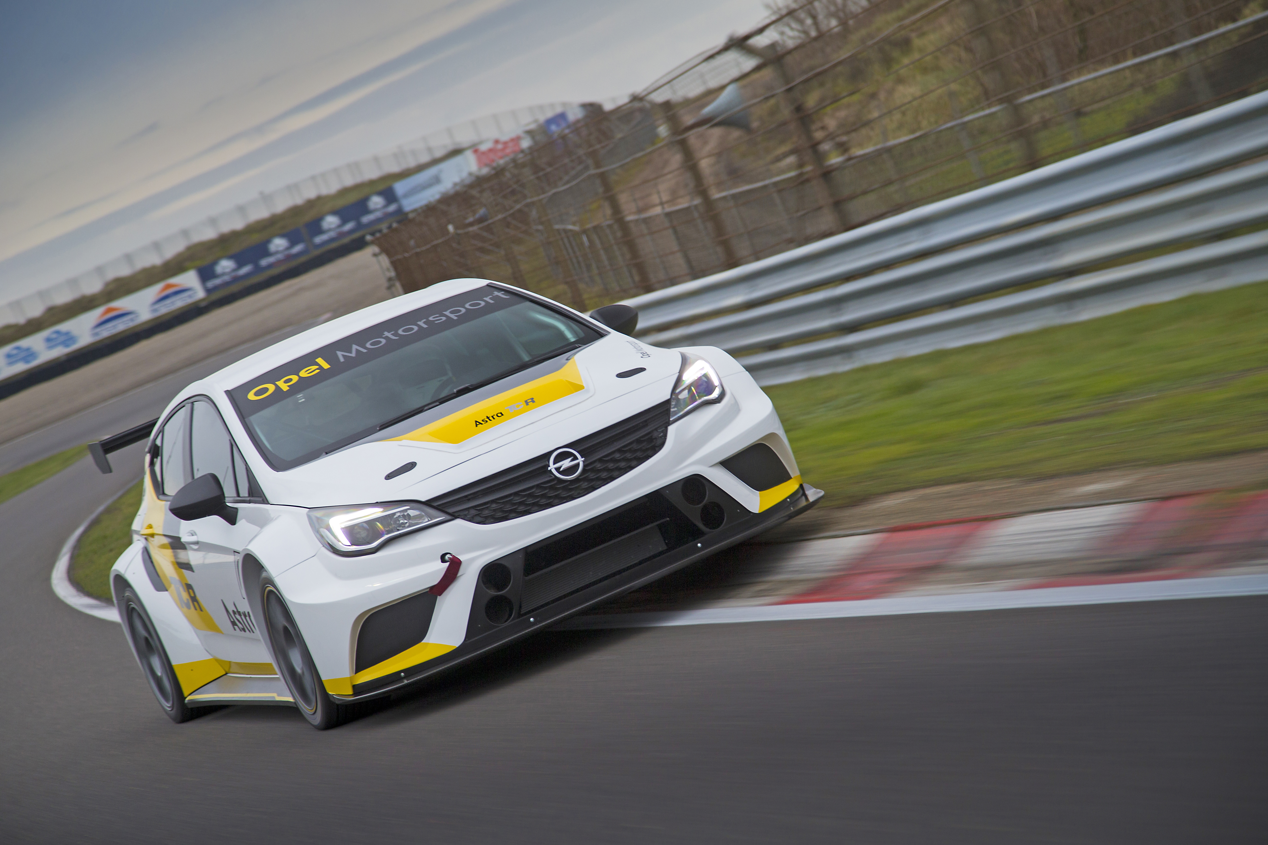 Opel-Astra-TCR-299181