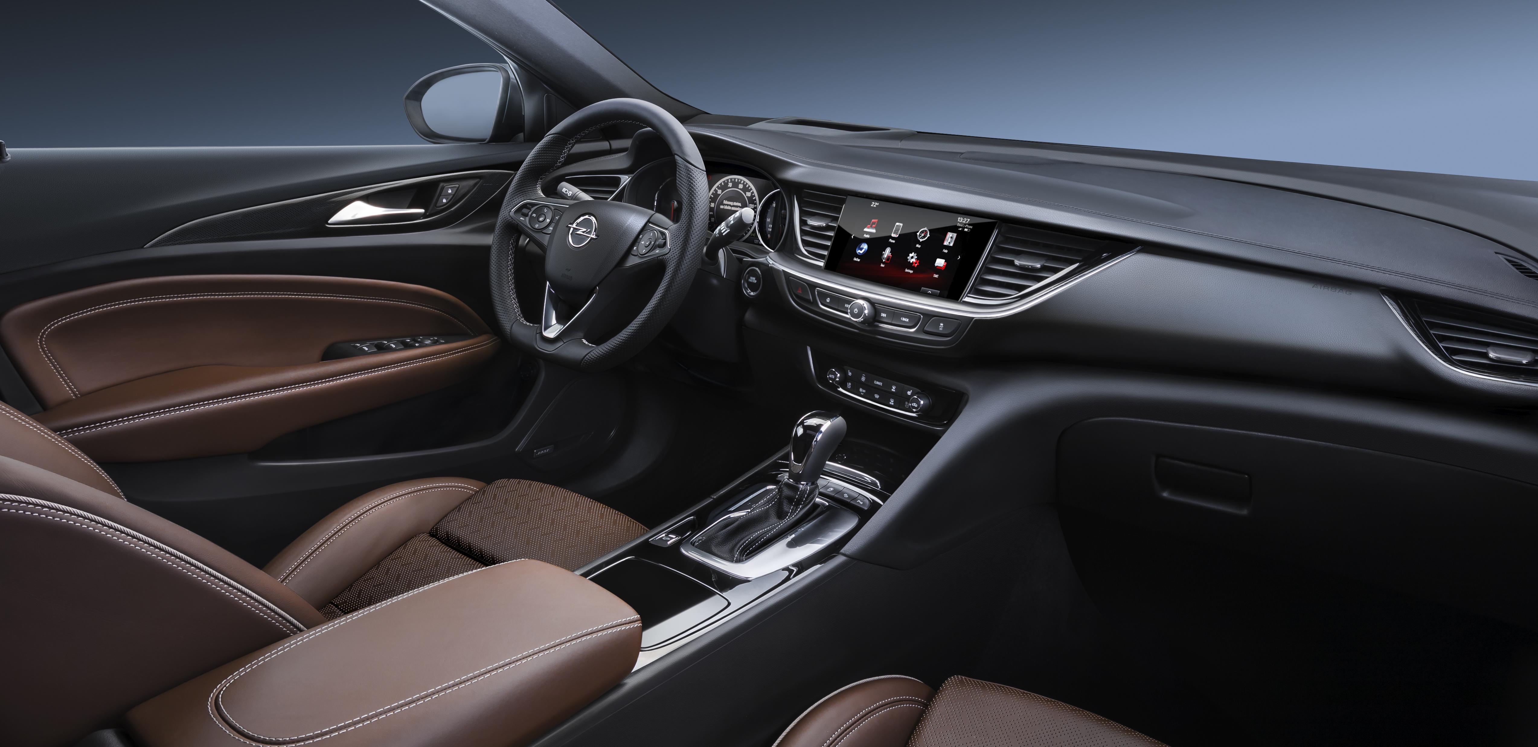Opel-Insignia-Grand-Sport-304395
