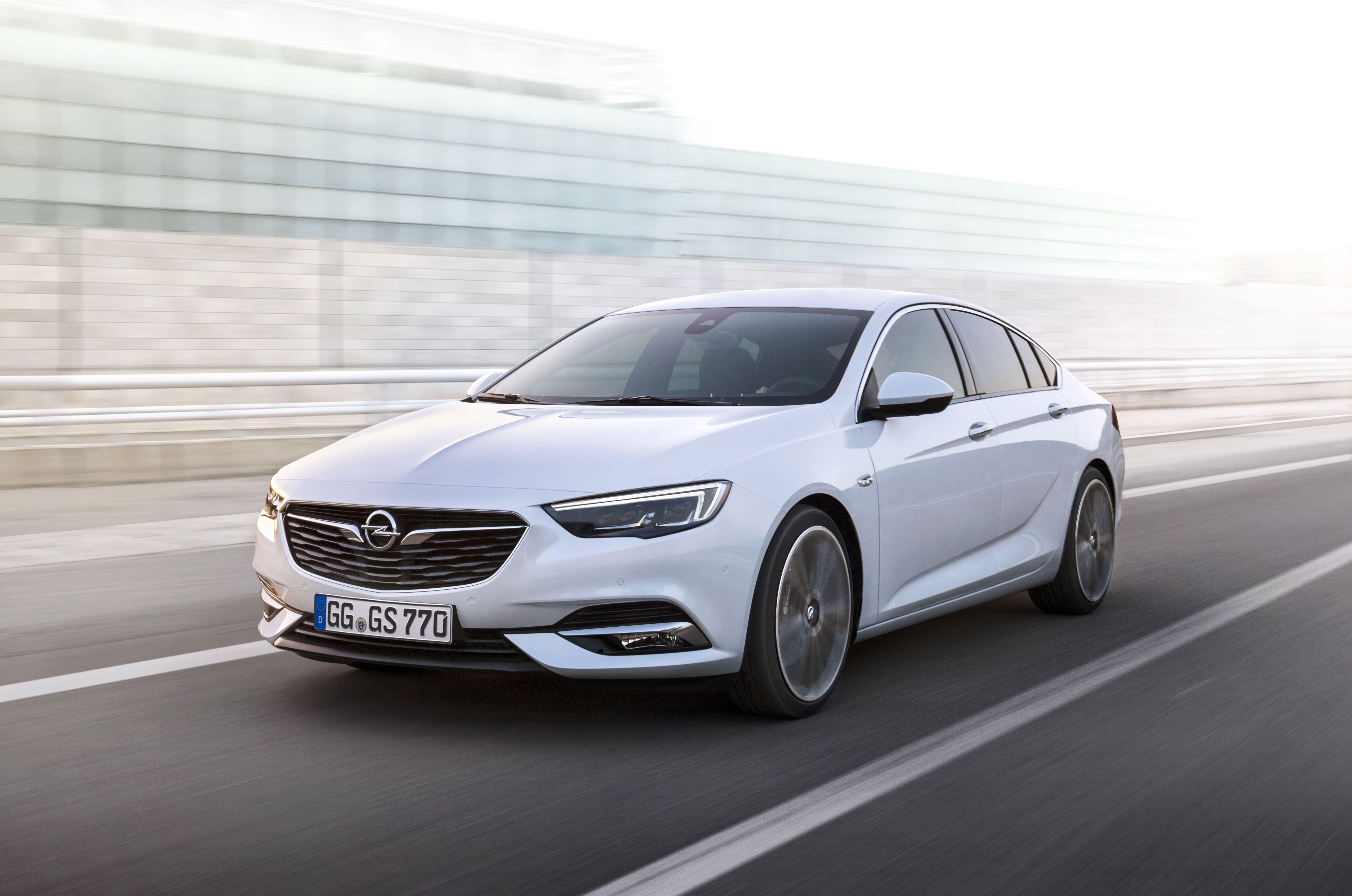 Opel-Insignia-Grand-Sport-304397