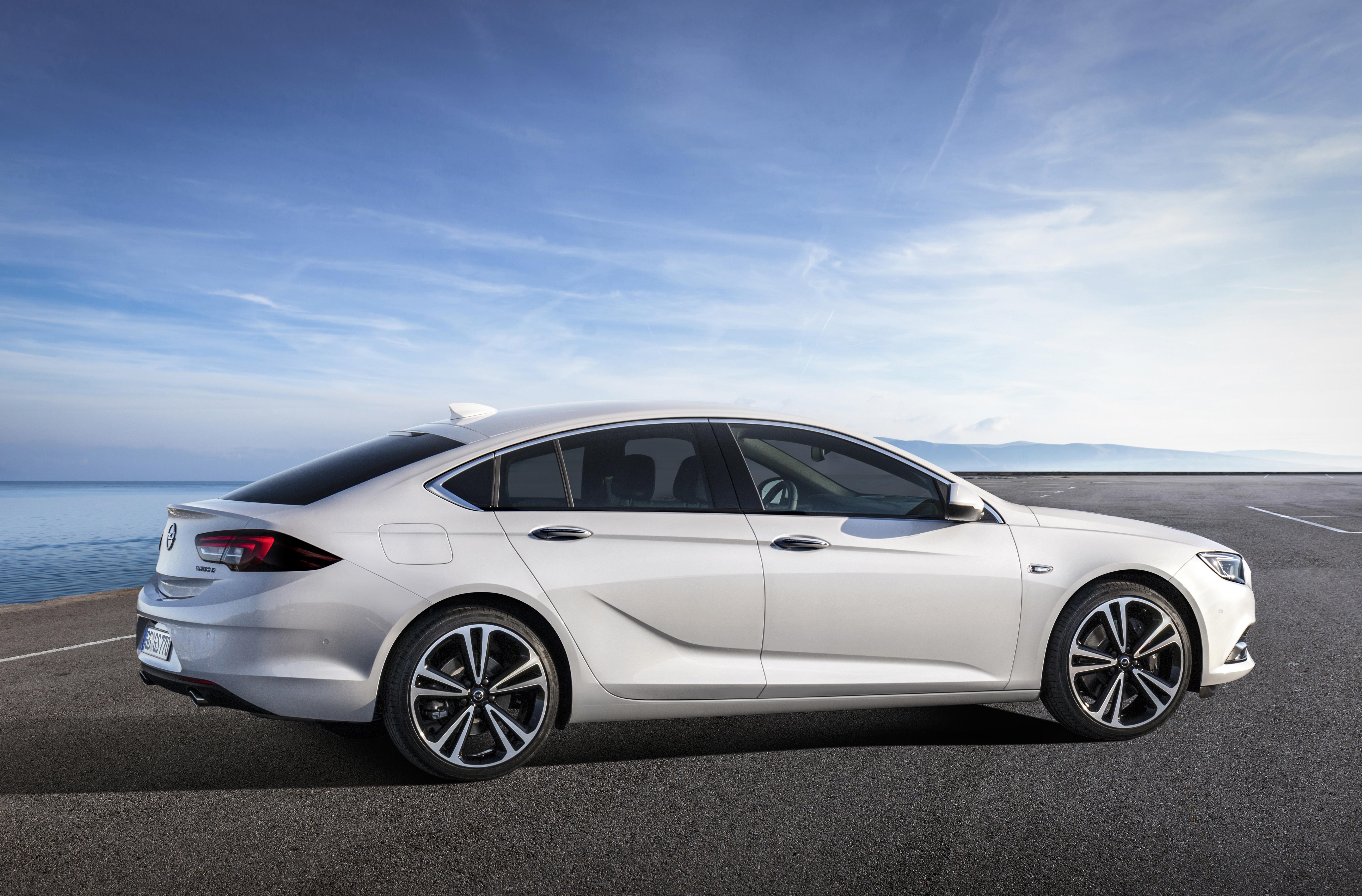 Opel-Insignia-Grand-Sport-304403