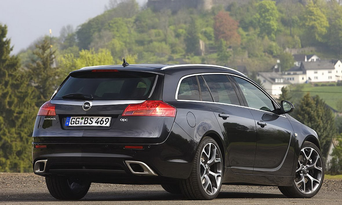 Opel-Insignia-Sports-Tourer-OPC-10
