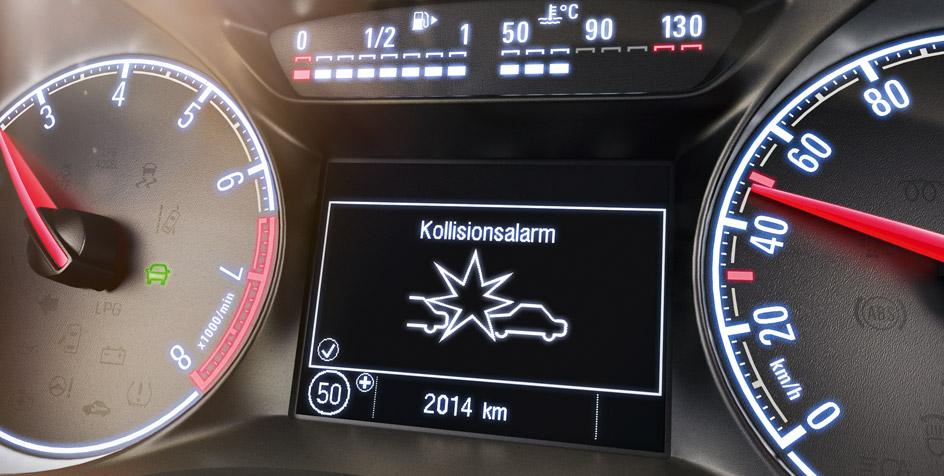 Opel_Corsa_Forward_Collision_Alert_944x476_co1575_i02_091