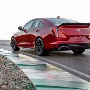 2022-Cadillac-CT4-V-Blackwing-002.jpg