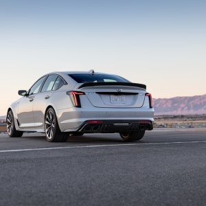 2022-Cadillac-CT5-V-Blackwing-002.jpg