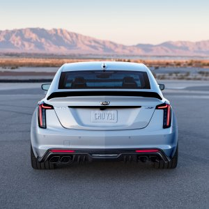 2022-Cadillac-CT5-V-Blackwing-003.jpg